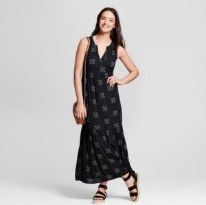 Universal Thread Black Printed Maxi Dress sz. M